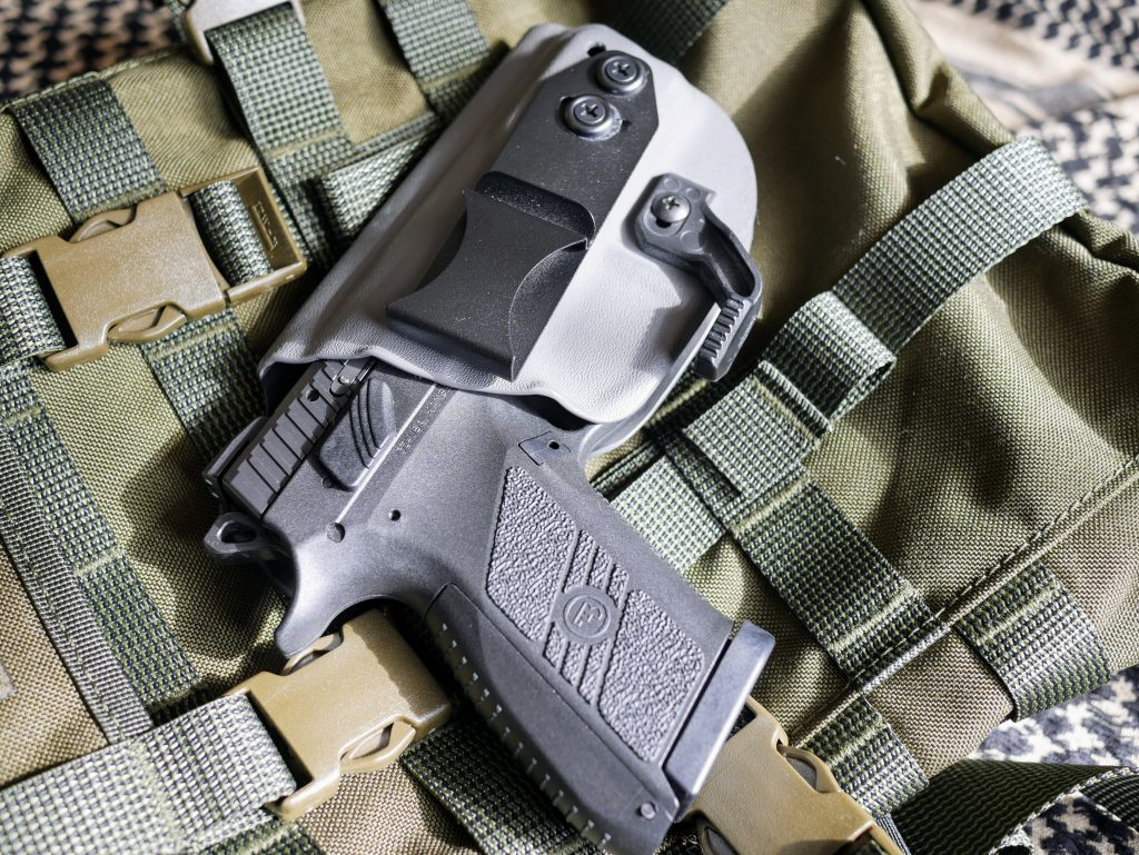 Vedder Light Tuck with CZ P07